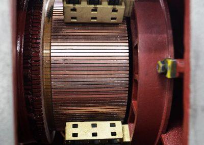 Nove grafitne ščetke v enosmernem motorju